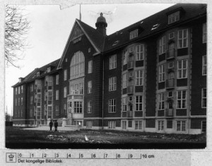 Prinsessegade 45 - marinehospital, åndssvageanstalt og skole.