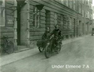 polliti_under_elmene